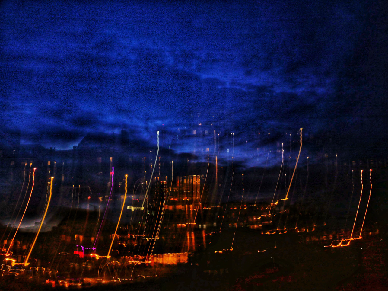 Stad i mörker. Foto: Dick Olssén.