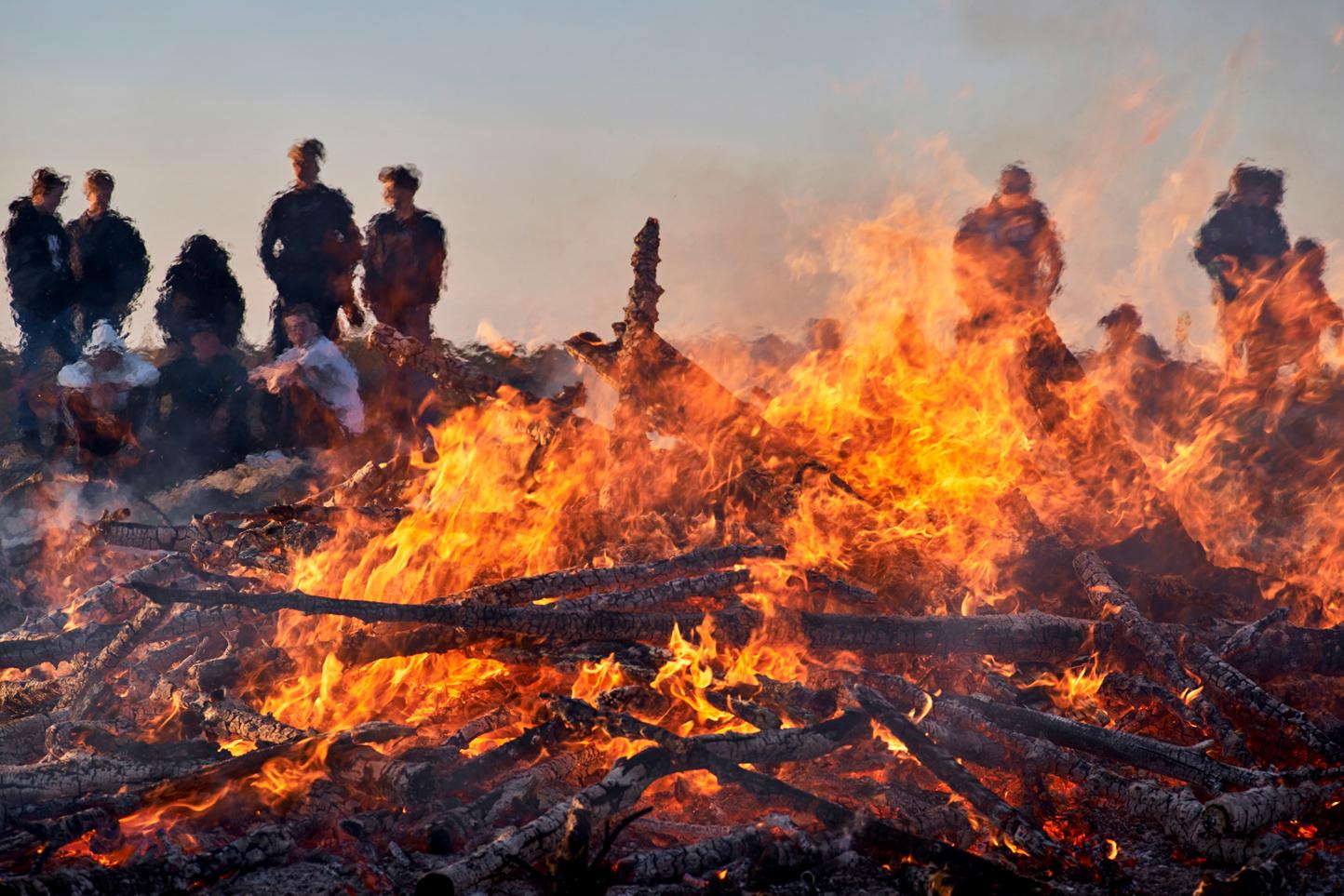 Foto: Leif Ljungquist. Runt elden.